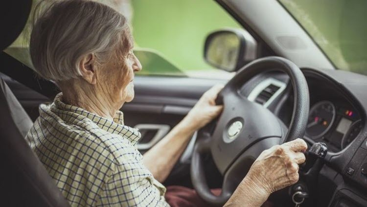 How To Deal With an Elderly Parent's Car